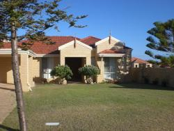 Port Bouvard Holiday Home Mandurah, 109 Westview Parade, Port Bouvard, 6210, Wannanup