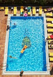 Hotel Copacabana, Avinguda Mistral, 40 - 48, 17310, Lloret de Mar