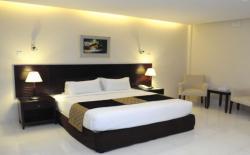 The Avenue Hotel & Suites, Ispahani Moor, Lalkhan Bazar, 4200, Chittagong