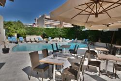 Hotel De La Mer, 226 Avenue De La Liberté, 06220, Golfe-Juan