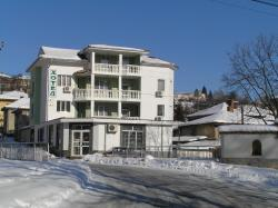 Karadzhovy Guest House, 6 Ivanka Boteva street, 4370, Kalofer