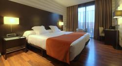 Hotel Zenit Pamplona, Parque Comercial Galaria, Calle X, 1, 31191, Cordovilla