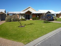 Seaside Villas, 28-30 Barry Court, 6330, Albany