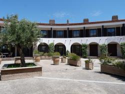 Hotel restaurant le top du Roulier, 8, avenue du Languedoc, 11700, Capendu