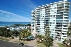 Chateau Royale Beach Resort, 19 Memorial Avenue, 4558, 玛志洛