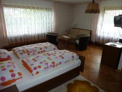 Gast- und Gästehaus Simon, Talstr. 1+3, 35753, Greifenstein
