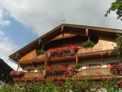 Hofbauer, Dorfplatz 6, 6305, Itter
