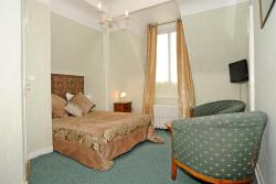 Hotel La Tour, 1 Boulevard Champ de Foire, 45600, Sully-sur-Loire