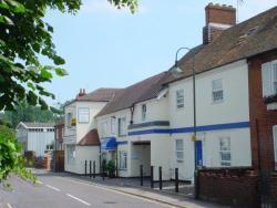 Brimar Guest House, 10-14 High Street, SO40 9HN, Totton
