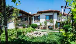 Saint George Guest House, 13 Treti Mart Street, 9750, Madara