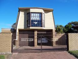 Bayview Loft, 2 Bay Road Eagle Point Victoria, 3878, Paynesville