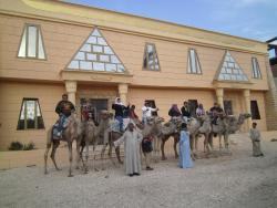 Pyramids Luxor Hotel, West Bank, Ramla Nile Street,, Λούξορ
