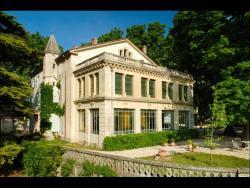 Manoir Le Roure & Spa, Route de Saint Paul, 26780, Châteauneuf-du-Rhône