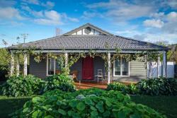 Pomegranate Guest House, 13 St Leonards Road, 3777, Healesville