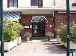 Hôtel le Chapon Fin, 3 place des Récollets, 82200, Moissac