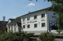 Hotel Garni - Am Rosenplatz, Vorsfelder Strasse 9, 38471, Brechtorf
