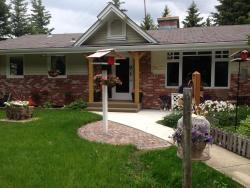Hilltop Ranch Bed & Breakfast, PO Box 54     Priddis, Alberta, T0L 1W0, Priddis