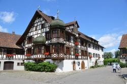 Drachenburg & Waaghaus, Am Schlosspark 7 + 10, 8274, Gottlieben