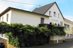 Ferienwohnungen Gästehaus Gerhild, Kirchstr. 1, 56820, Nehren