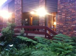 Bed and Breakfast at Kiama, 15 Riversdale Road, 2533, Kiama