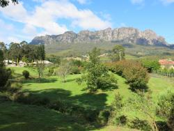 Mount Roland Country Lodge, 10 Deacons Close, 7306, Claude Road