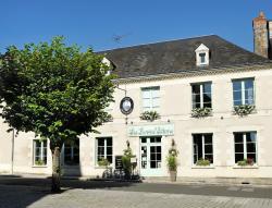 Le Savoie Villars, 10 Place Savoie Villars, 37350, Le Grand-Pressigny