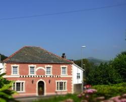 Abergavenny Hotel, 21 Monmouth Road, NP7 5HH, Abergavenny