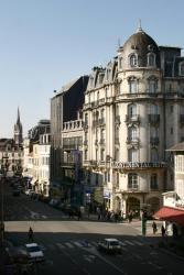 Best Western Hôtel Continental, 2 rue Maréchal Foch, 64000, Pau