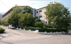 Hotel Themisto, Nikoleika, 25100, Nikolaíika