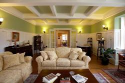 Springbank House Inn, 68 Yates Street, L2R 5R8, Saint Catharines