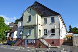 Landhotel Zum Niestetal, Niestetalstr. 16, 34266, Heiligenrode