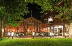 Hotel Romantik Krone, Wängler Str. 6, 6600 Reutte