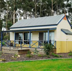Waverley House Cottages, 205 Palmers Road, 3909, Lakes Entrance