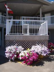 Shoreside Inn & Suites, 5102 51 Avenue, T0E 2K0, Wabamun