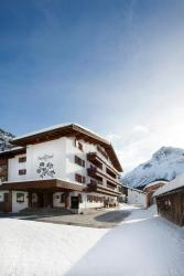 Hotel Berghof, Dorf 161, 6764, Lech am Arlberg