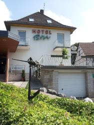 Weigands Hotel Peter, Untere Weserstrasse 2, 34359, Reinhardshagen