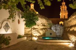 Casa Spa La Agueda y Robledo, Castillo, 10, 41470, Peñaflor