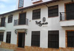Hotel Prados de la Serrania, Calle 11 No. 9 - 44, 687571, Lebrija