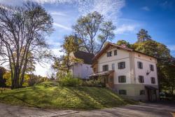 Schlossgaststätte Hohenberg, Hohenberg 3, 82402, Seeshaupt