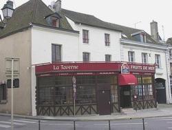 Le Coche De Briare, 72 Place De La République, 45200, Montargis