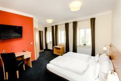 Hotel Krone, Marktplatz 7, 86653, Monheim