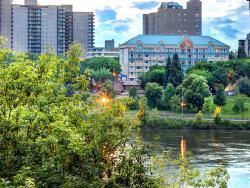 Park Town Hotel, 924 Spadina Crescent East, S7K 3H5, Saskatoon