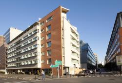 Séjours & Affaires Montreuil Saint Mandé, 72 rue Claude Erignac, 93100, Montreuil