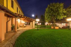 Corte dei Tini, Villa Vomano SS81, 64100, Villa Vomano