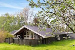 Holiday home Helledigevej F- 1730,  9300, Nordost