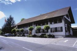 Gasthof Kreuz Mühledorf, Hauptstrasse 5, 4583, Mühledorf
