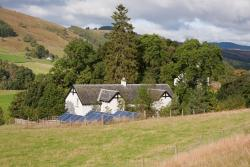 Cromald Cottages - East & West, WHITEHOUSE FARM, BALLINTUIM, PH10 7NG, 柯克麦科尔