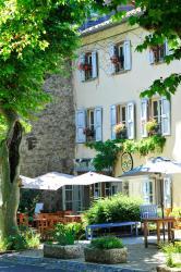 Hotel La Bougnate, Place du Vallat, 43450, Blesle