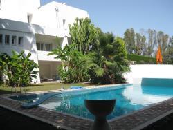 Villa Waterfall, Calle Pleyades, 29660, Marbella