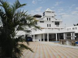 Hotel & Resort Terrazas Del Mar, Malecon y 25 de Diciembre atras del reten naval, 130153, Crucita